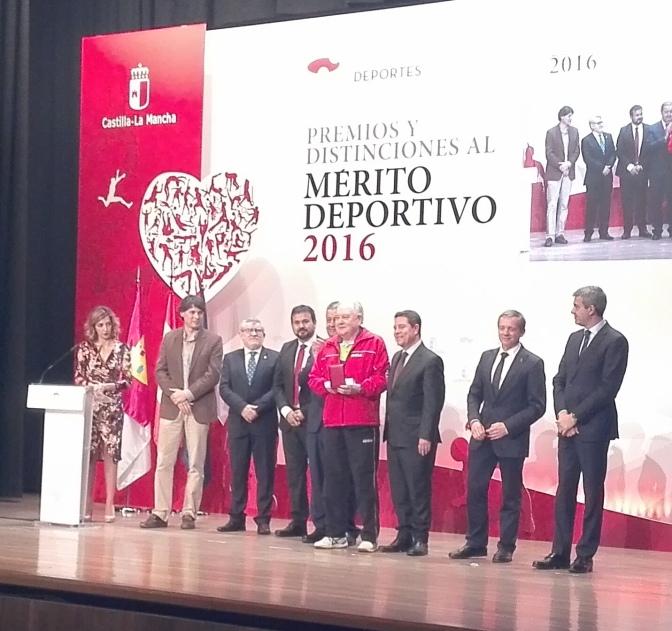 AURELIO BURGOS PREMIO AL MERITO DEPORTIVO 2016 EN LA GALA DEL DEPORTE DE CASTILLA LA MANCHA